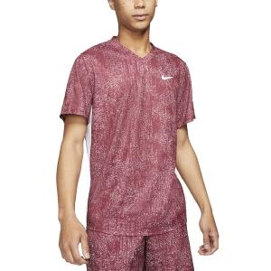 Camisetas de Tenis Hombre Nike DriFIT Print Camiseta  Dark Beetroot/White CV7858638